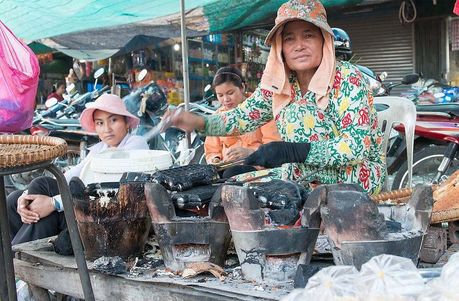 Frittierte Schlange oder knusprige Vogelspinnen gefällig? Die Street-Food-Tour in Siem Reap ist der Einstieg in eine unbekannte kulinarische Welt.
