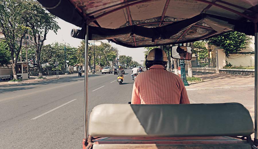 Moped plus Anhänger mit Dach: Fertig ist die für Südostasien typische Motorradrikscha. Wir haben den billigen Taxiersatz  ausgiebig  getestet.