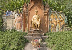 Am Wat Phnom wurde die Stadt Phnom Penh gegründet – so die Legende. Heute ist der Klosterhügel ein spirituelles Zentrum, das einen Besuch wert ist.